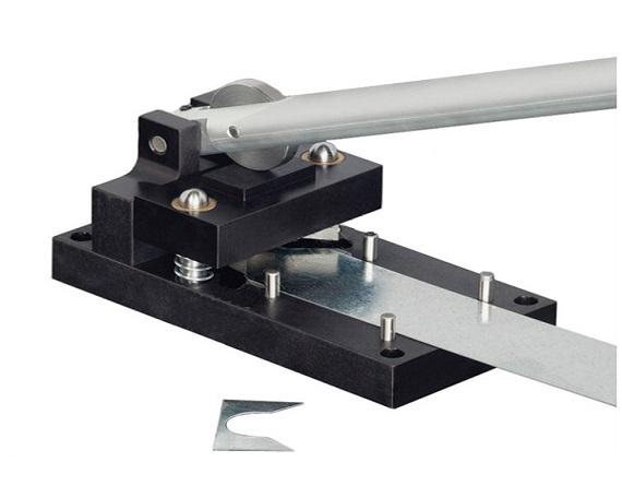 Duct fabrication machines